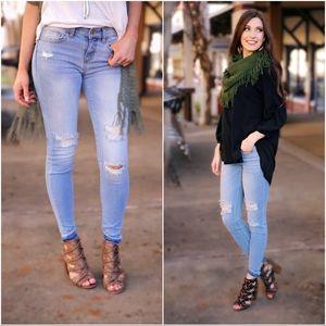 ✨LAST FEW✨Light Wash Distressed Skinny Jeans